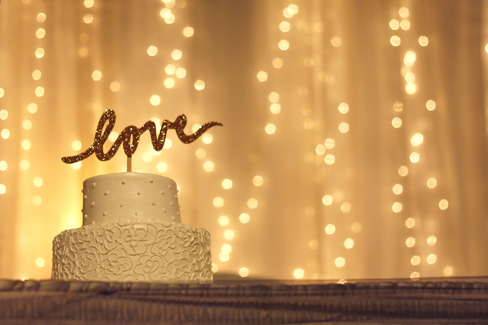 Wedding-Cake-with-LOVE-Topper-000026799105_Medium