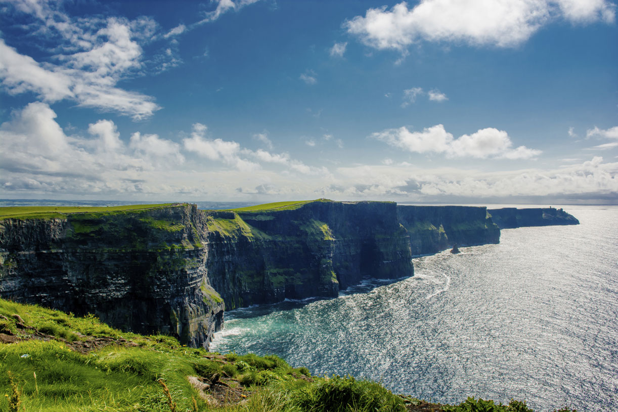 Cliffs-Of-Moher-In-Ireland-000082742465_Large.jpg