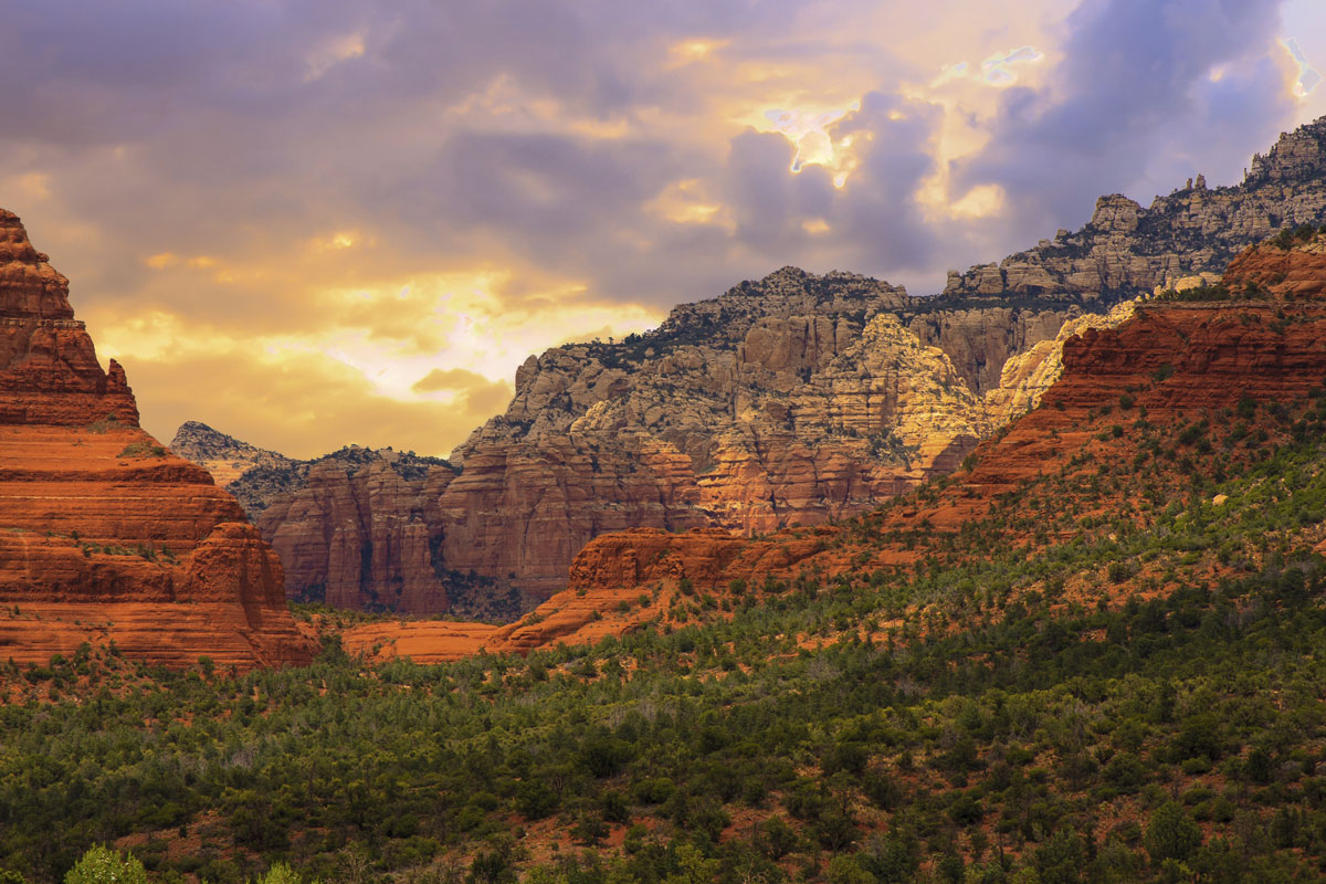 Sedona-Arizona-Sunrise-000074764097_Large.jpg