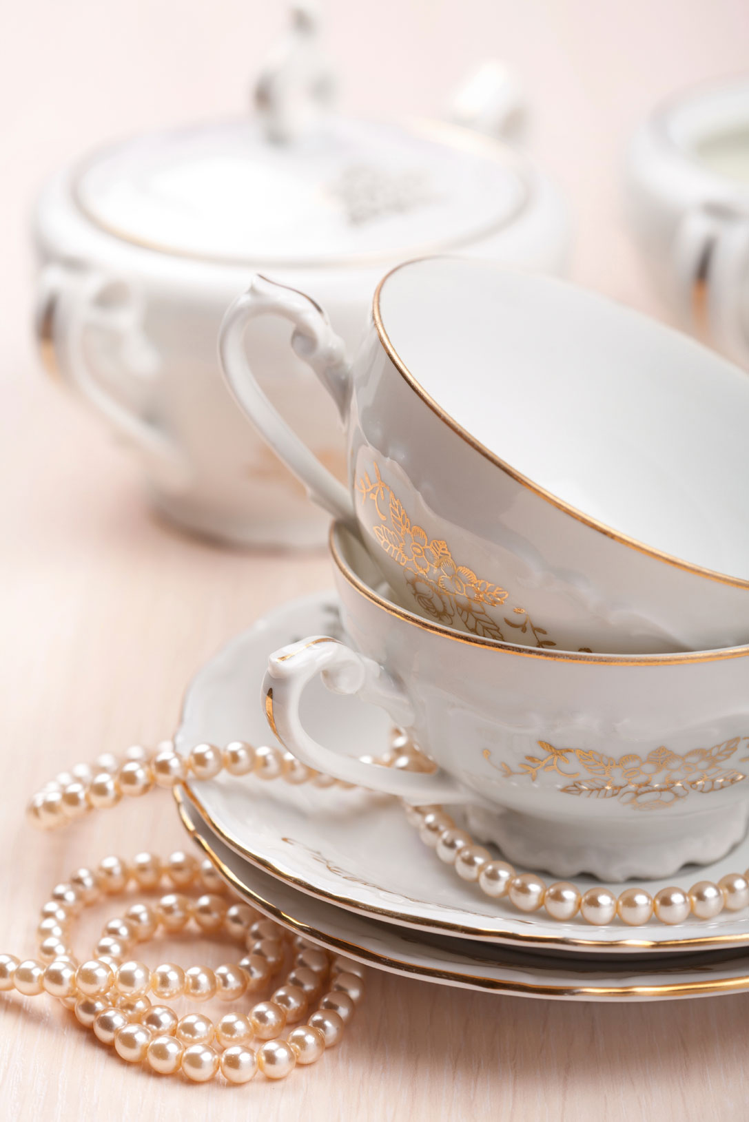 elegant-tea-cups-000014923998_Large