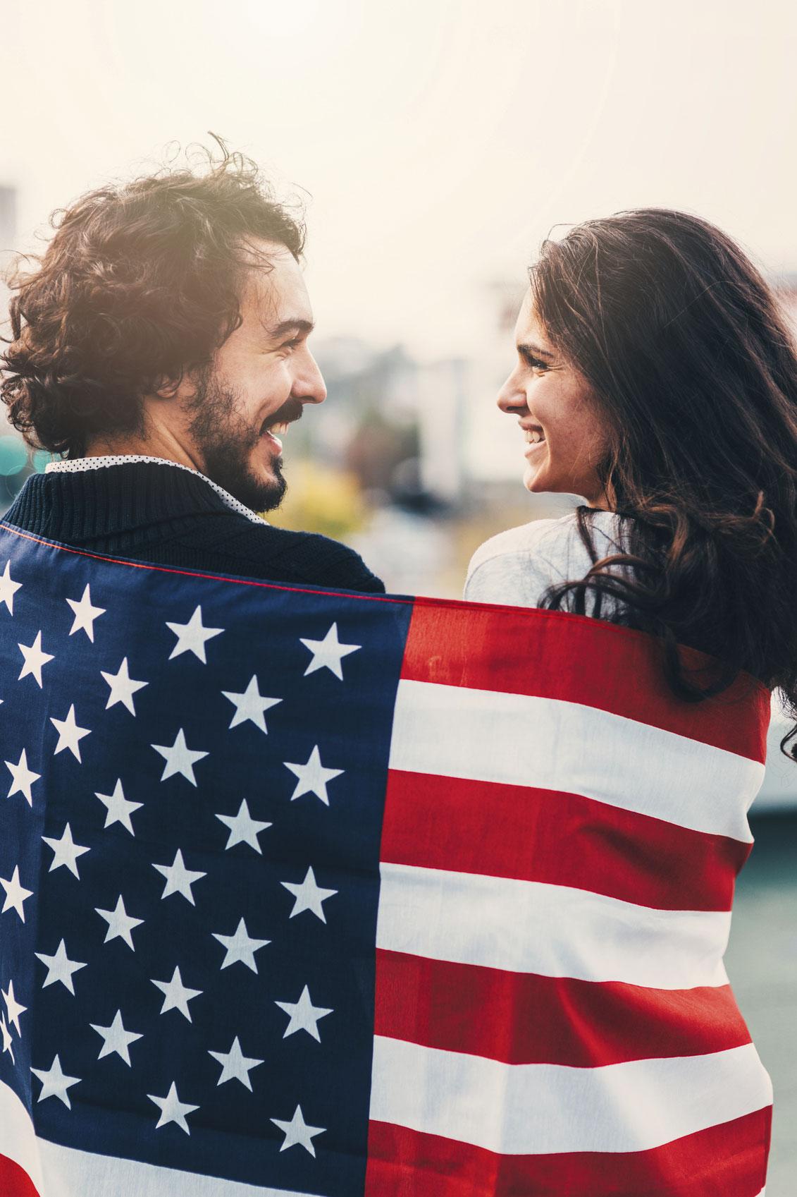 American-Flag-000079107629_Medium.jpg