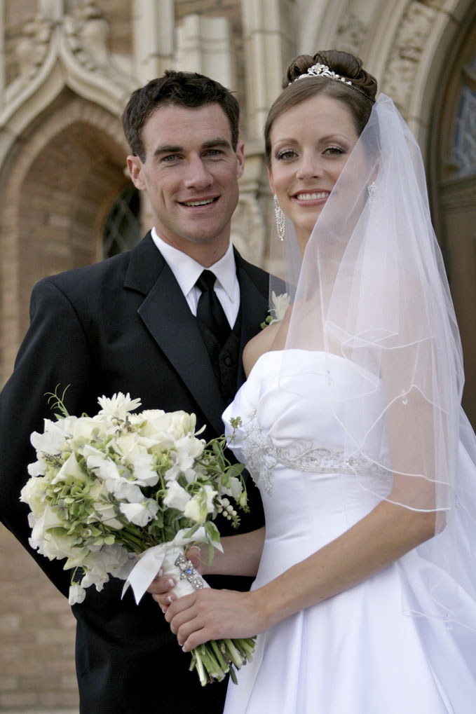 Elelgant-Wedding-Portrait-Handsome-Bride-and-Groom-Together-Outdoors-000021169712_Medium