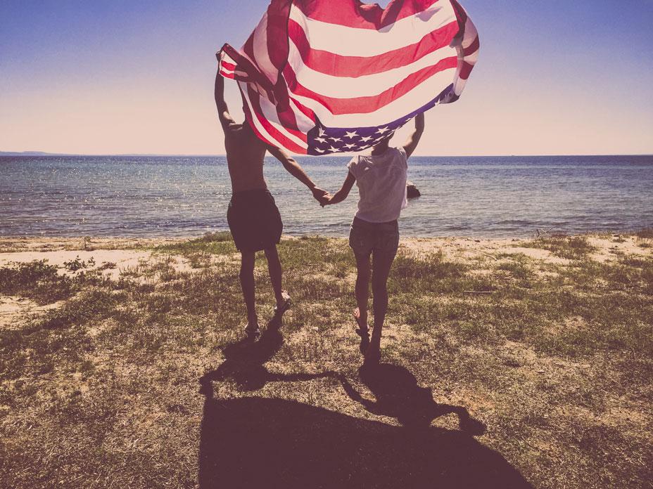 Proud-Americans-000071481995_Medium.jpg