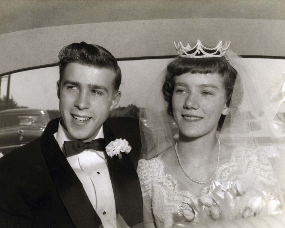 Wedding-couple-from-the-1950's-000002320629_Large.jpg