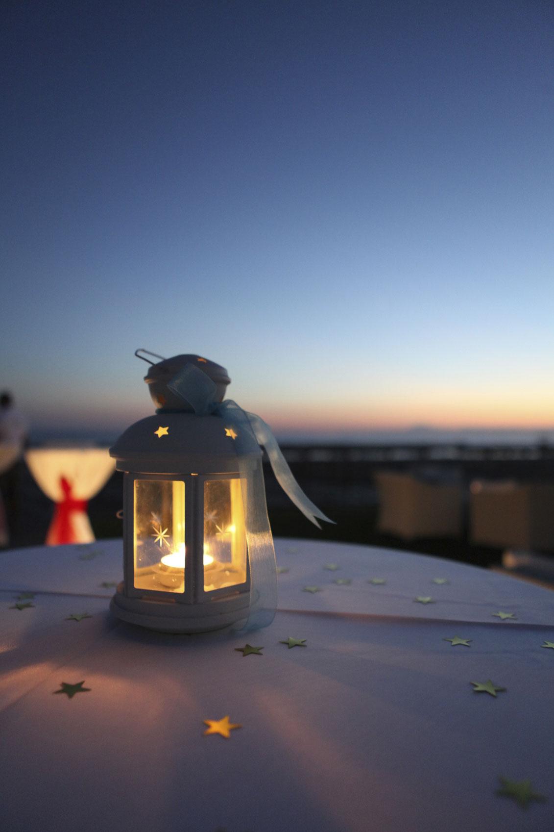 candle-lantern-000057919154_Medium.jpg