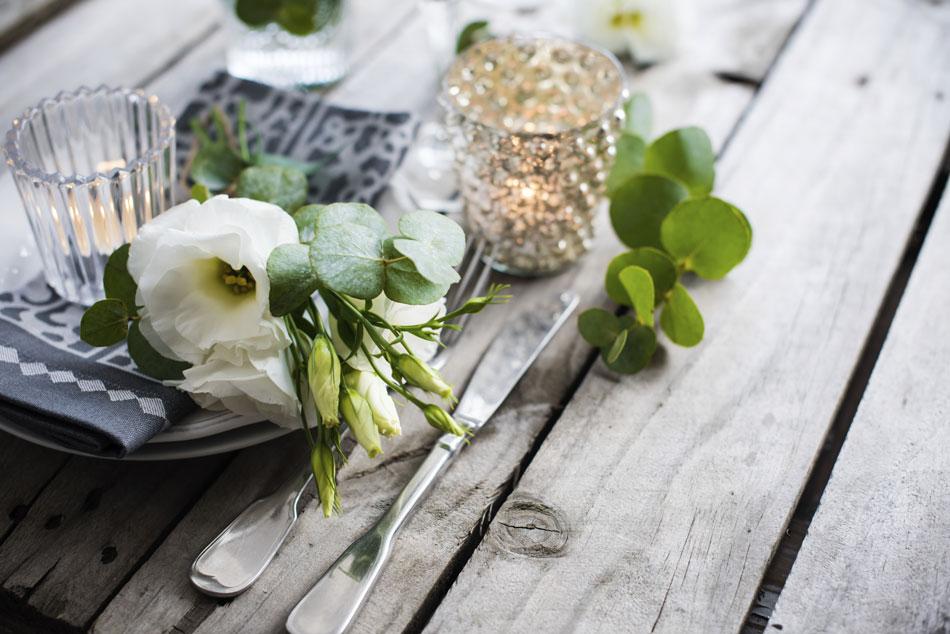 summer-wedding-table-decoration-000067740201_Large-(1)
