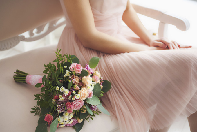 beautiful-floral-composition-near-bride-000089937787_medium