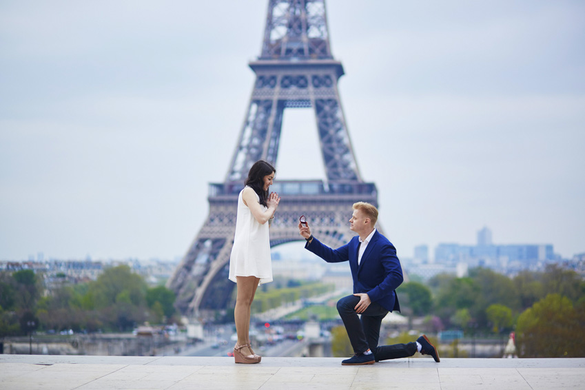 romantic-engagement-in-paris-000096057553_medium-1