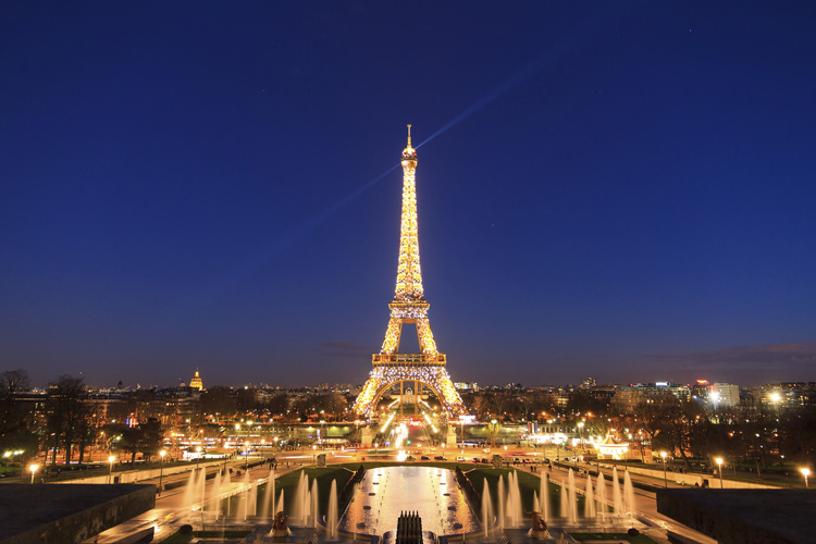 Eiffel-tower-blue-lights-000083698607_Medium.jpg