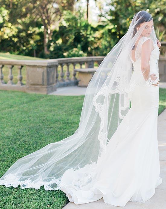 5-bel-aire-bridal-v7175c