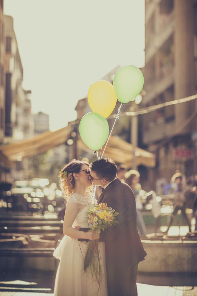 wedding-couple-000064735901_medium